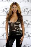 th_40647_celebrity_paradise.com_TheElder_Beyonce2010_03_02_Jay_ZMadisonSquareGarden12_122_197lo.jpg