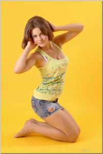 http://img234.imagevenue.com/loc216/th_278959403_tduid300163_sandrinya_model_denimmini_teenmodeling_tv_048_122_216lo.jpg