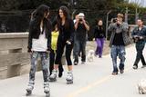 Kim Kardashian (Ким Кардашьян) - Страница 4 Th_45862_celebrity-paradise.com-The_Elder-Kardashian_sisters_2009-11-10_-__hit_the_boardwalk_in_Santa_Barbara_5163_122_222lo