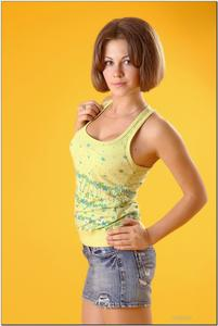 http://img234.imagevenue.com/loc348/th_279259870_tduid300163_sandrinya_model_denimmini_teenmodeling_tv_129_122_348lo.jpg