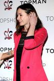 th_03398_Emily_Mortimer_2009-03-31_-_opening_of_the_new_TOPSHOP_TOPMAN_Flagship_store_779_122_488lo.jpg