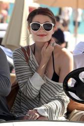 http://img234.imagevenue.com/loc74/th_312186581_Mischa_Barton_Bikini_Candids_on_the_Beach_in_Miami_December_27_2011_143_122_74lo.jpg